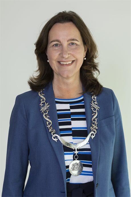 Burgemeester Mieke Baltus