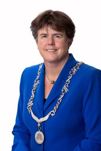 Burgemeester Ina Adema